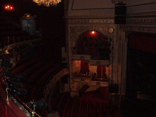 apollo_theater_dark