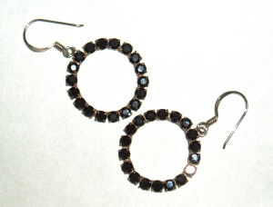 black_earrings