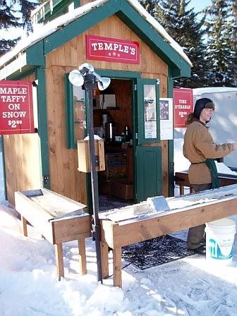 maple_taffy_on_snow